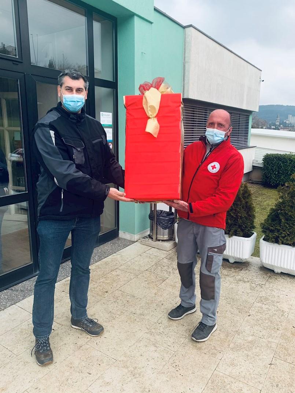 Dobili smo donaciju zaštitnih maski i rukavica
